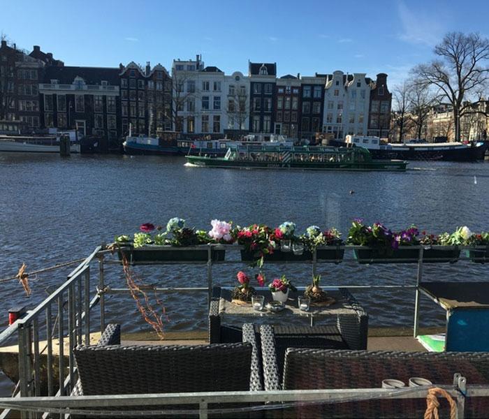 Boekoe Amsterdam houseboat rental Amsterdam