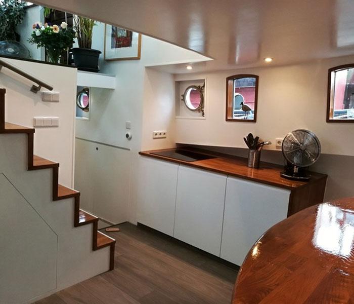 Rose 2 boat Amsterdam houseboat rental Amsterdam