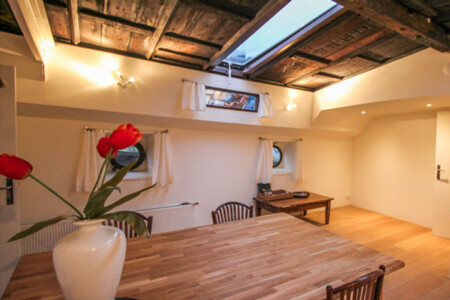 Rembrandt Appartement bed and breakfast amsterdam houseboat rental amsterdam