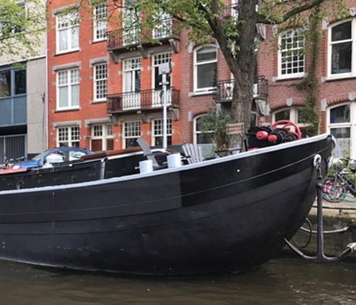Boutique Houseboat Johanna Amsterdam Houseboat rental Amsterdam