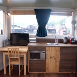 Bambooboat Houseboat rental Amsterdam