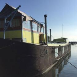 The Island Houseboat rental Amsterdam