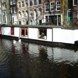 Houseboat rental old centre Amsterdam