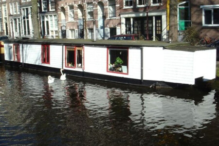 Houseboat rental old centre Amsterdam