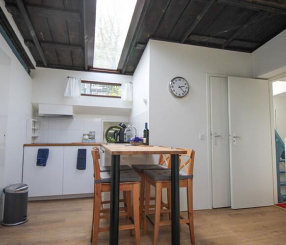 Van Gogh Studio houseboat rental Amsterdam